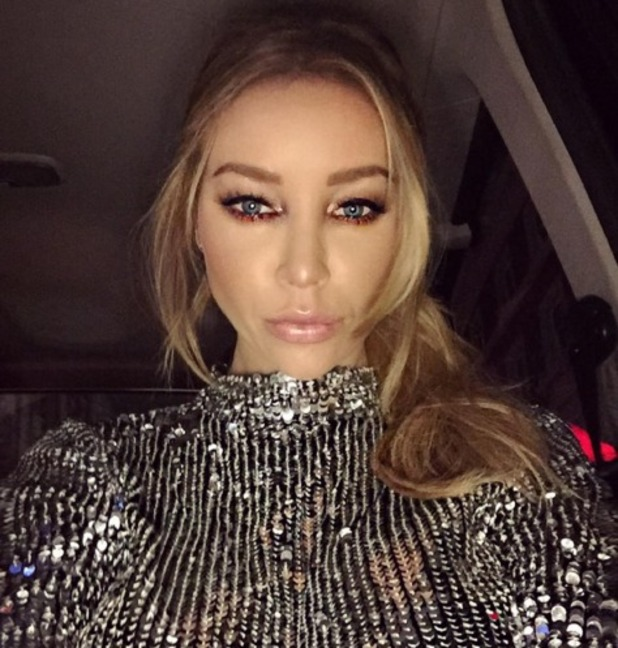 Lauren Pope shows off gorgeous metallic silver and bronze eye make-up, 4 November 2015