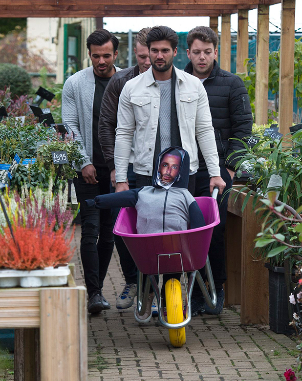 'The Only Way is Essex' cast filming, Ongar, Britain - 29 Oct 2015 Some of the TOWIE boys meet at the garden Centre to get prepared for Bonfire Night with their effigy of Peter Wicks. Dan Edgar, Tommy Mallett, James Bennewith and Michael Hassini.