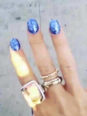Pixie Geldof shows off her blue glittery nails, 8 November 2015