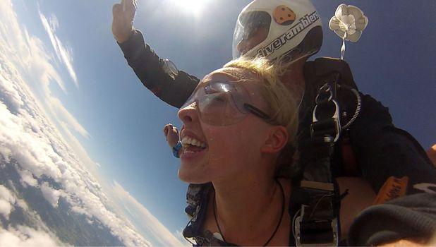 Jorgie Porter skydives on I'm a Celebrity... Get Me Out Of Here! - 14 Nov 2015