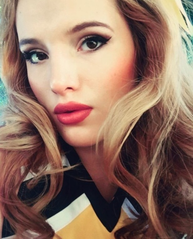 Bella Thorne shares picture of cat-eye beauty look on Instagram, 17th November 2015