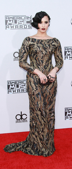 Demi Lovato does Hollywood glamour at American Music Awards 2015, 23rd November 2015