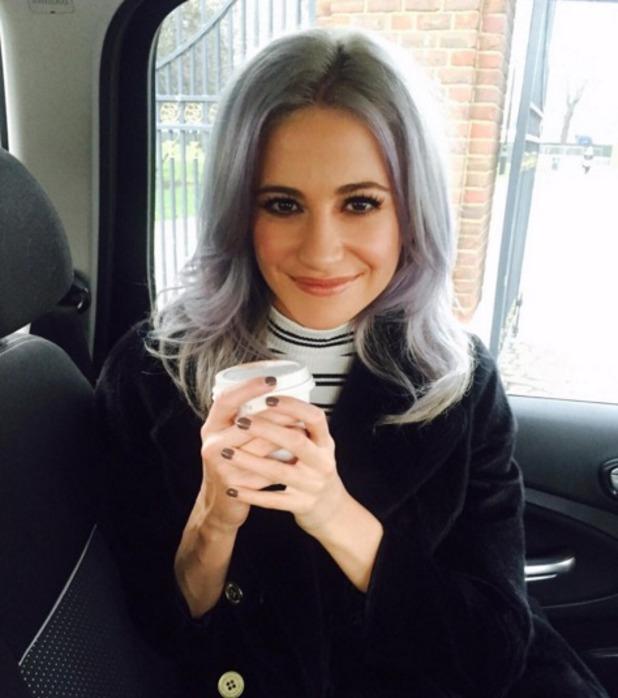 Pixie Lott's hair gets a biue rinse! 3 December 2015
