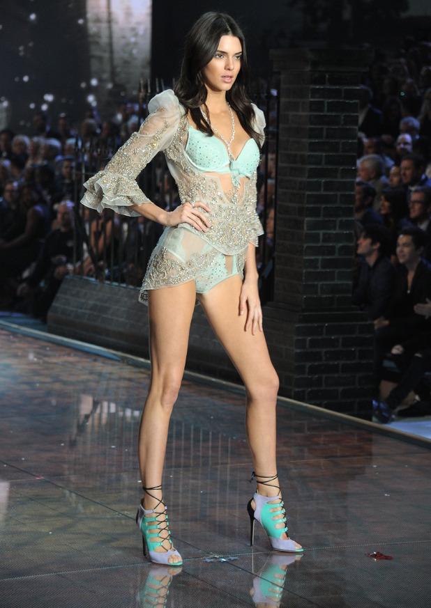 Headline :New York Victoria Secret Fashion Show 2015 Caption :Models walk the 2015 Victoria Secret Show in NYC PersonInImage :Kendall Jenner Credit :Rob Rich/WENN.comLocation :Manhattan, United States