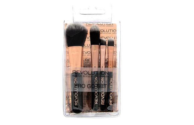Make Up Revolution Pro Go Mini Brush Set £4.95 10th December 2015