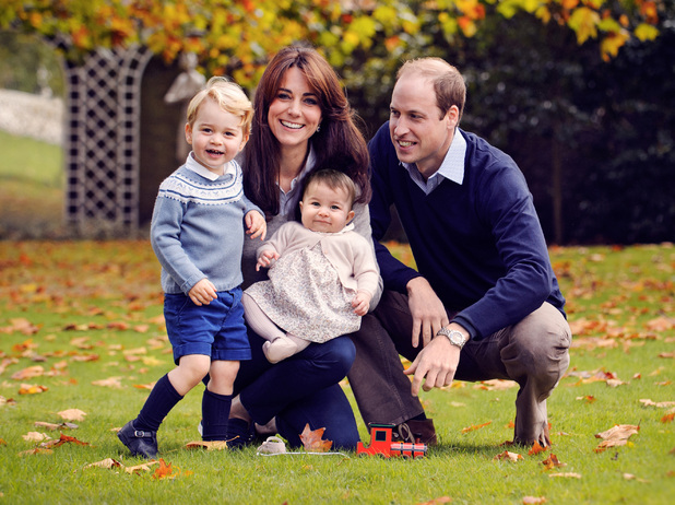 Kate Middleton, Prince William, Prince George and Princess Charlotte, Christmas photo 18 December