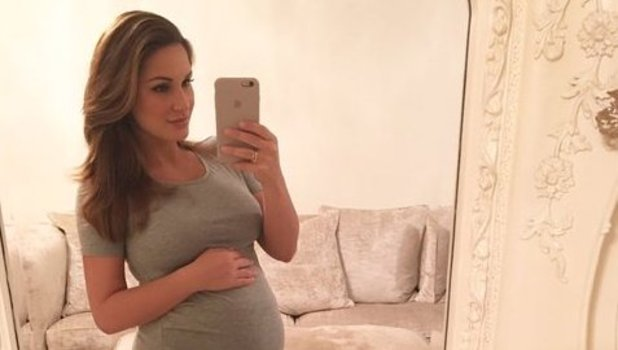 Sam Faiers shows off bump just weeks before due date, 23 December 2015.
