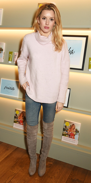 Caggie Dunlop attends the Madeleine Shaw Glow Guides app launch at Brown's Hotel in partnership with Origins Skincare on January 8, 2016 in London, England. ()
