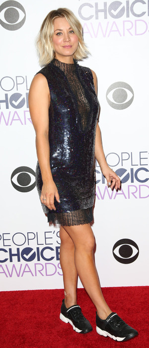 Kaley Cuoco wears black and white Dior trainers on the red carpet at People's Choice Awards, Microsoft Theatre in Los Angeles, 7th January 2016