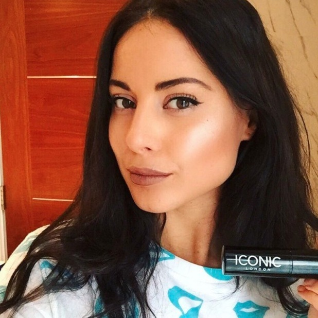 Made in Chelsea star Louise Thompson loves Iconic London's strobing stick, shares on Instagram, 7th January 2016