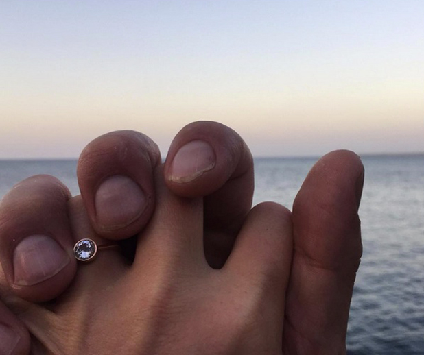 Julia Stiles reveals her engagement ring, 4 Jan 2016