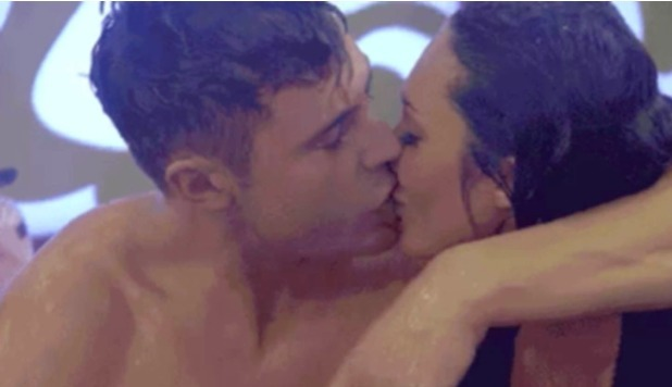 Megan McKenna and Scotty T kiss in the CBB house, Jan 2016.