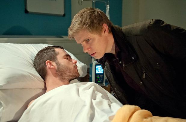 Emmerdale, Aaron confesses a secret to Robert, Tue 19 Jan