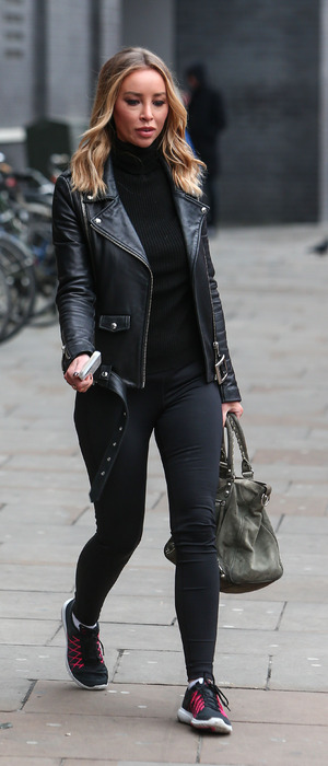 Former TOWIE star Lauren Pope wearing tip-to-toe black in East London as she hunts for new Hair Rehab office, 21st January 2016