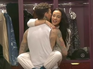 CBB: Steph and Jeremy play around in the house. 27 January 2016.