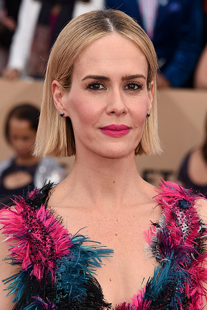 Sarah Paulson attends the 22nd Annual Screen Actors Guild Awards at The Shrine Auditorium on January 30, 2016 in Los Angeles, California