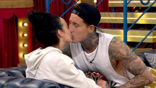 CBB: Steph & Jeremy kiss in the house. 27 January 2016.