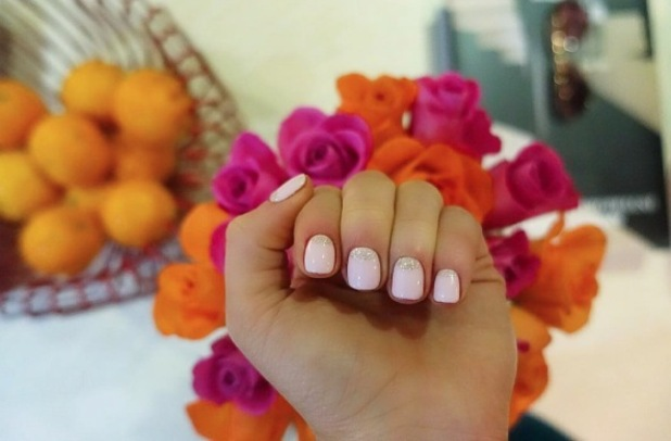 Made in Chelsea's Louise Thompson shares picture of baby pink glitter nails on Instagram 25th January 2016