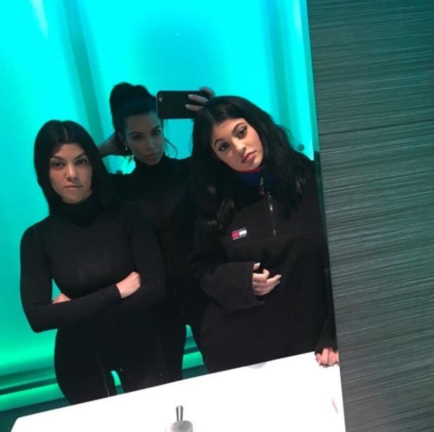 Kim Kardashian appears to have swollen face in Instagram selfie taken by sister Kourtney Kardashian, 24th January 2016