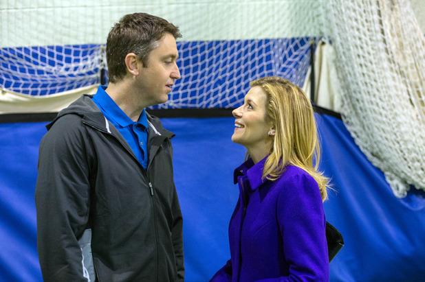 Corrie, Leanne flirts with Tom, Mon 8 Feb
