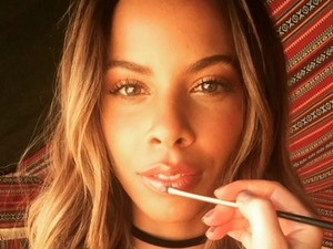 Rochelle Humes gives us make-up envy on location in Dubai