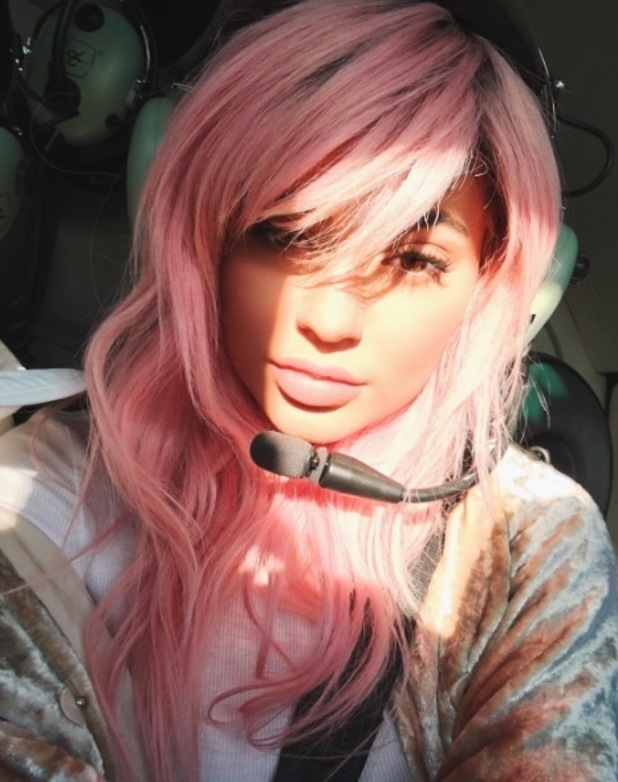 Kylie Jenner debuts pink hair on Instagram, 15th February 2016