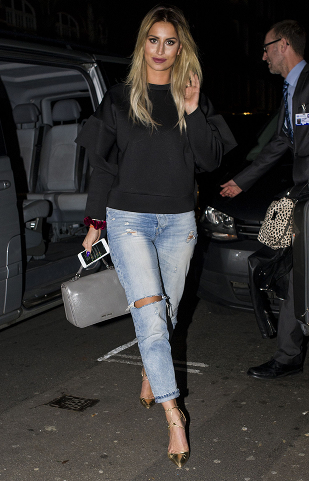 Ferne McCann leaving Kennady's Hairdressers with a new cut and colour 18 Feb 2016