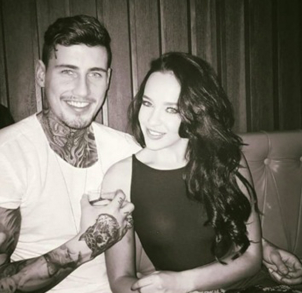 Stephanie Davis shows off ring from Jeremy McConnell, 18 February 2016