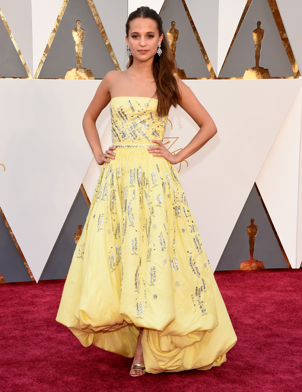Alicia Vikander attends the 88th Annual Academy Awards at Hollywood & Highland Center on February 28, 2016 in Hollywood, California.