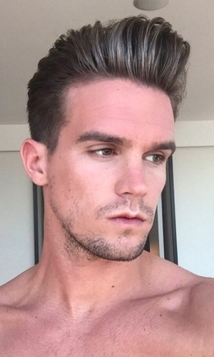 Gary Beadle gets silver streaks in his hair 3 March