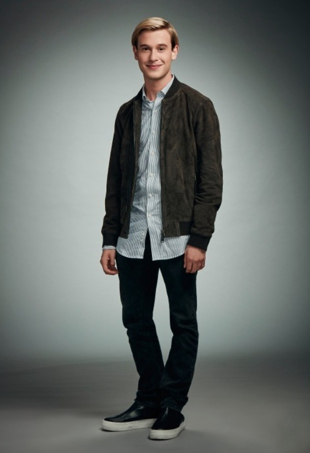 Hollywood Medium Tyler Henry - E! 2016