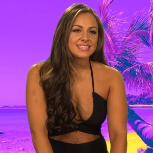 Ashleigh Defty and Scotty T talk about relationship, Extra On The Beach 9 March