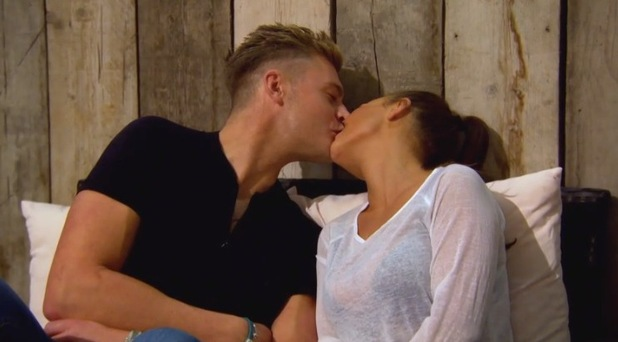 Scotty T and Chantelle Connelly kiss, Geordie Shore 22 March