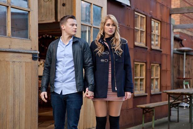 Hollyoaks, Holly and Robbie go public, Mon 21 Mar