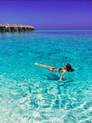Georgia May Foote enjoys holiday in the Maldives with boyfriend Giovanni Pernice, March 2016.