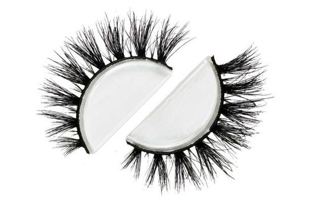 Lily Lashes in Cannes £24.99, hookedupshop.co.uk, 21st March 2016