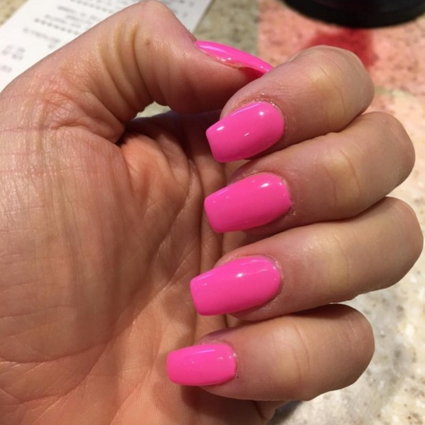 Katie Price shows off hot, fluoro-pink nails, 21 March 2016