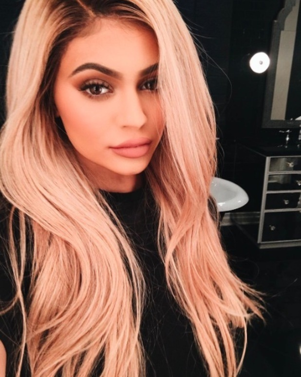 Kylie Jenner takes her black hair a bright shade of blonde, 24th March 2016