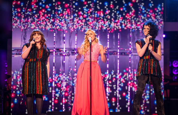 Paloma Faith sings on The Voice alongside remaining acts Heather Cameron-Hayes and Jordan Gray, 3 April 2016.