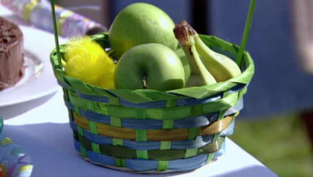 TOWIE Series 17, Episode 9 Arg gets Easter apples Aired: 28 March 2016