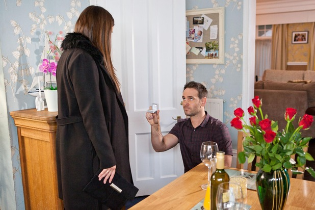 Lindsey is stunned when Joe proposes Hollyoaks, to air 6 April 2016