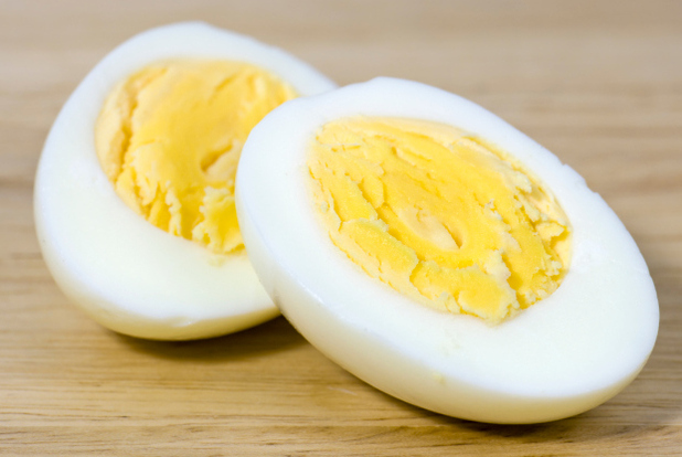 Boiled eggs can be eaten for breakfast if you're trying to slim while you sleep