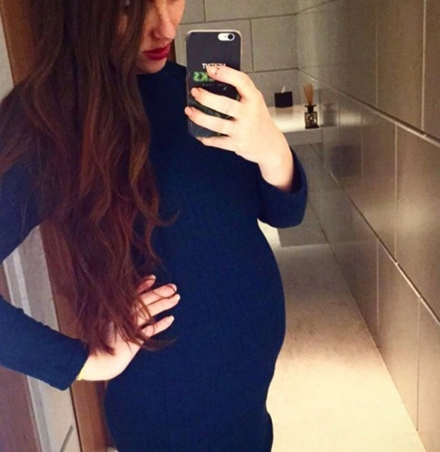 Harry Amelia debuts baby bump after confirming pregnancy 11 April