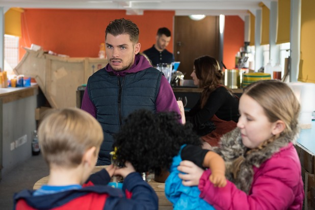 Hollyoaks, Ste steals from Cameron, Tue 26 Apr