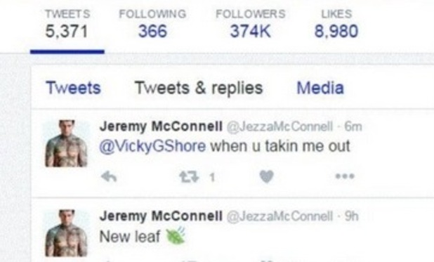 Jeremy McConnell tweet to Vicky Pattison screengrabbed by a Twitter user. 4 May 2016.