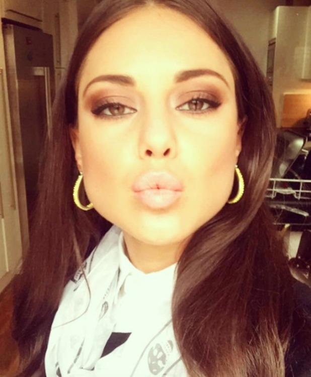 Louise Thompson wears Urban Decay Naked Eyeshadow Palette, 1 May 2016