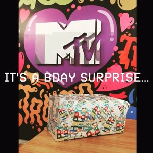 Geordie Shore tease wrapped present ahead of show's launch - 10 May 2016