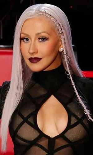 Christina Aguilera rocks braided hair with gold hoops, by Chris Appleton, The Voice USA, 10 May 2016