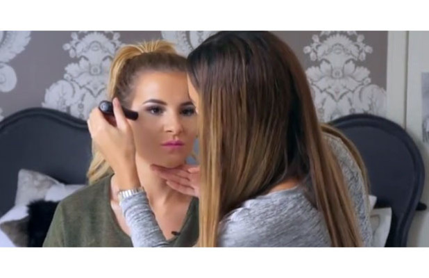 TOWIE star Georgia Kousoulou gives us a highlighting masterclass alongside make-up artist Alishea Park on her website By Georgia K, 11th May 2016