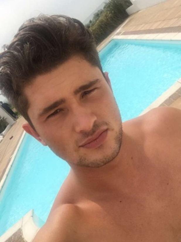 Jordan Davies teases Ex On The Beach shoot? 12 May